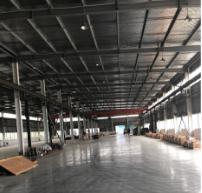 金山漕泾漕廊公路化工区单层带行车有厂房出租 4000平方米 0.8元
