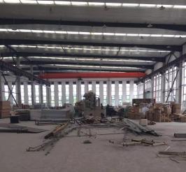 金山漕泾单层高10米带行车厂房仓库出租