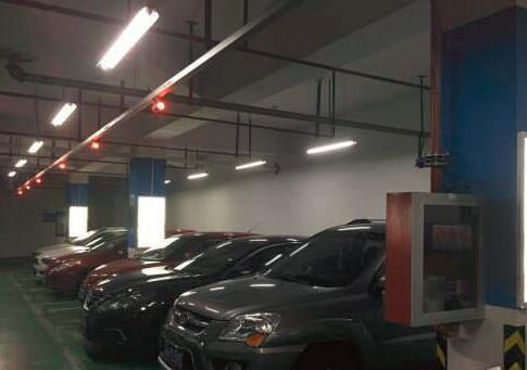 G2427南京玄武多个门面出租 人流量大 2000个车位 写字楼性质 用来做汽车美容