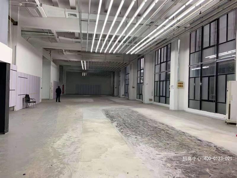 G2662 宝山淞南价格最低园区出租 3000平 纯一楼挑高6.5 米自由发挥 大车可入内 工、办、商相结合 满足客户特殊需求