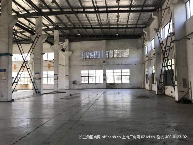 G2677 松江小昆山镇大港板块光华路 标准火车头厂房出租400平方分割出租 带航车